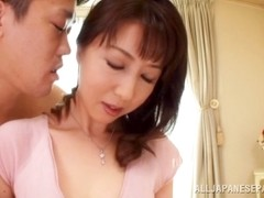 Sayuri Ikuina hot Asian milf cums like a pornstar