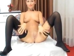 Cute Babe Fingers her Tight Cunt