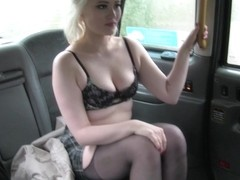 Journalist gets fake news story - FakeTaxi