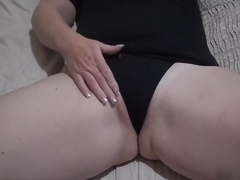 Playing and fingering her own love tunnel. Very hawt dont u think ???