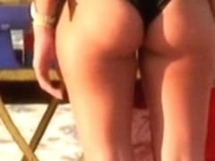 Great butt at the beach