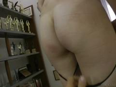 Sexy girl masturbates and does a professional blowjob