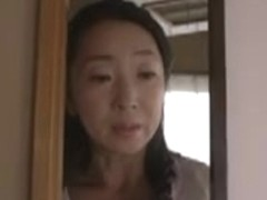 Asia housewive seize the chance to have sex with