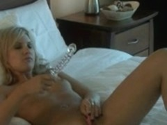 hawt blond toys herself to multiple cums
