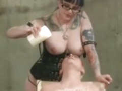 Lesbo Birthday Thrashing