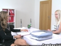 Female agent gets pussy licked from model