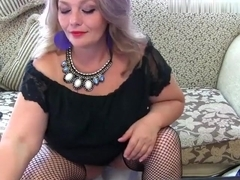 milfmelissa1 intimate episode on 07/14/15 09:10 from chaturbate