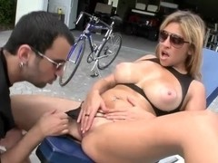 Busty Kitana gets licked outdoor by Voodoo