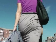 Amazing Skirt Booty Walking