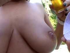 Blonde Jessica Moore plays with her huge knockers