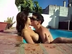 Kissing my new hot girlfriend in the sweeming pool