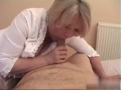 Cumshot over wifes arse