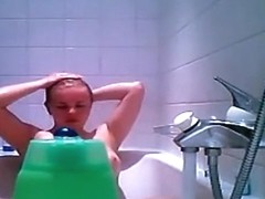 Russian babe caught on bath tub spy