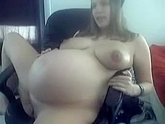 gorgeous pregnant teen girl