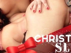 Sheena Ryder & Cherry Torn & Lorelei Lee & Daisy Ducati in Christmas Slut Takedown - Electrosluts