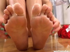 Sexy Girl Peeing - Francesca pees and splashes her feet in her piss puddle