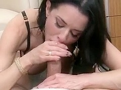 MILF VERONICA LOVES SUCKING BIG COCK BLOWJOB CUMSHOT