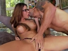 Alexa Nicole gets unforgettable cunnilingus