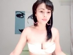 So Beautiful face and perfect body Korean girl nude on Webcam 201410122