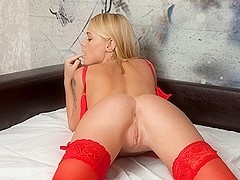Darina Nikitina In Pure Toy Pleasure