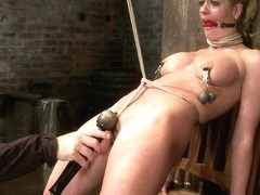Threesome brunette busty_pic19414