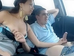 Fortunate stud receives valuable tugjob in his car